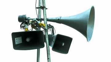 loudspeakers-on-pole